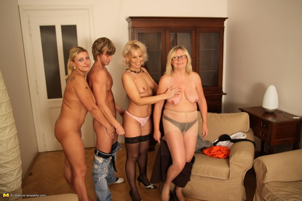 секс матюр с молодыми фото